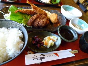 町家カフェ太郎茶屋鎌倉(平塚)-鎌倉フライ定食1.JPG